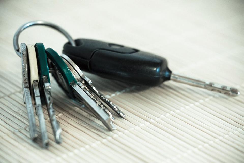借りた車を安全に乗るために|自動車を借りた際の保険のお話