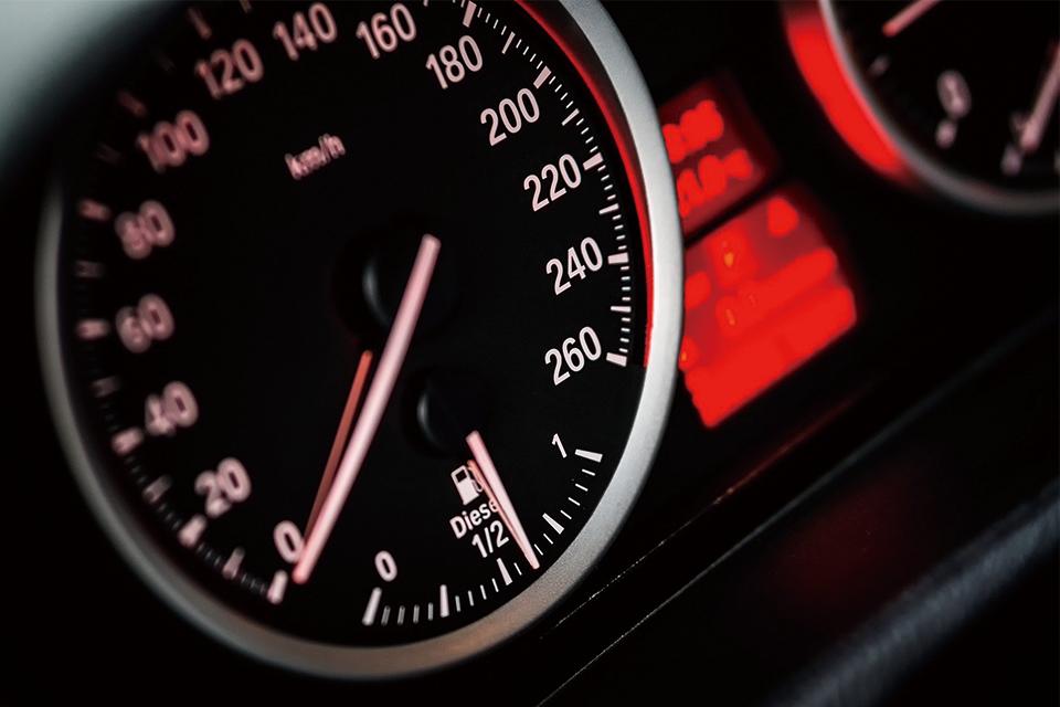 車で対人事故を起こしてしまった!|自動車事故の慰謝料などを詳しく解説